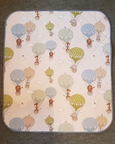 Baby Pram Quilt Animals in Balloons