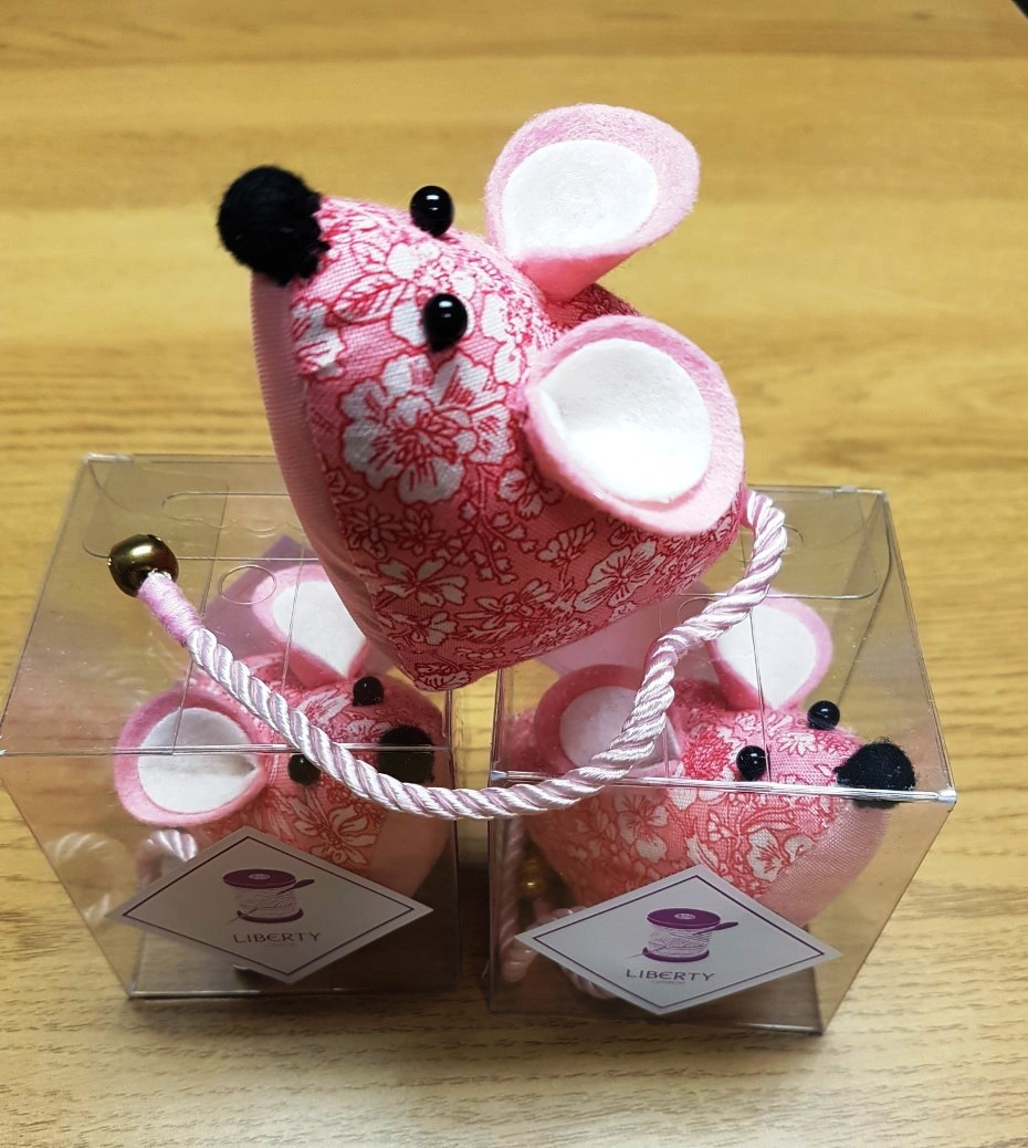 LIBERTY_MOUSE_PIN_CUSHION